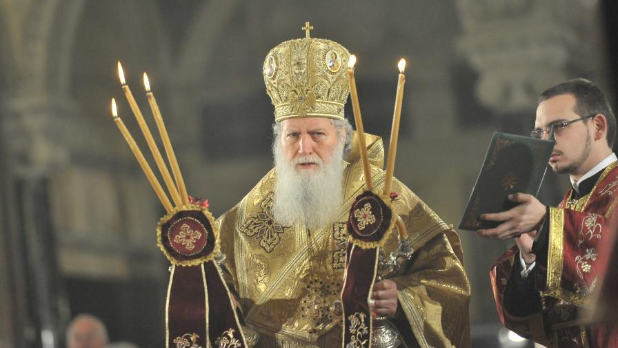 Патриарх Неофит отслужи литургия за Рождество Христово
