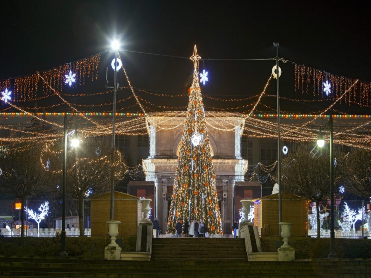 Коледна украса в Кишинев, Молдова
