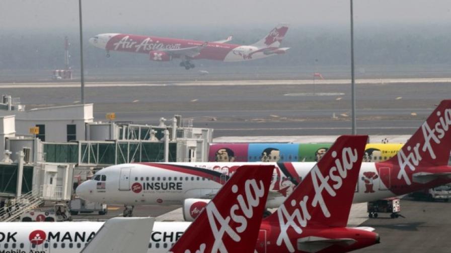 Падналият индонезийски самолет бил изправен