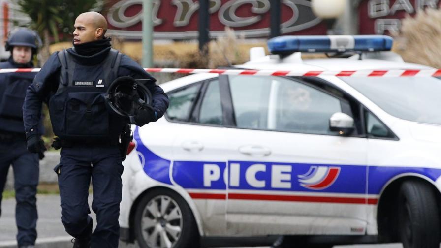 Установена е самоличността на стрелеца от Париж