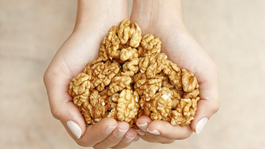 Как орехите оправят настроението на момчетата