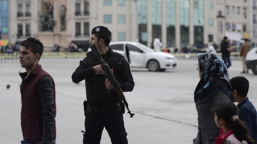 На коя групировка са членове въоръжените от Истанбул