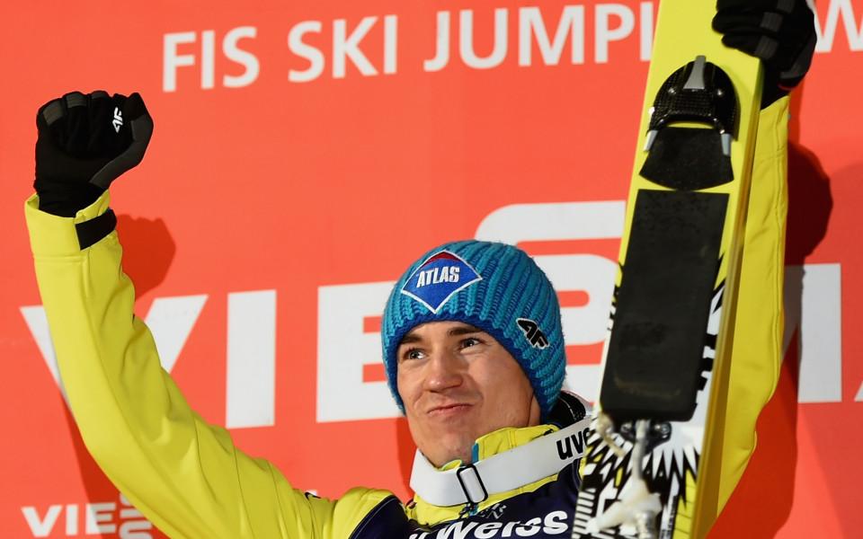 Камил Штох триумфира на голямата шанца в Енгелберг