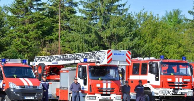 България Цистерна се взриви край Девин Два екипа на пожарната