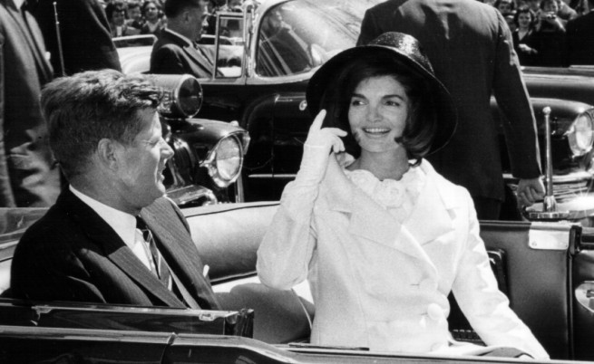 Редки снимки на Джон и  Джаки Кенеди отиват на търг
