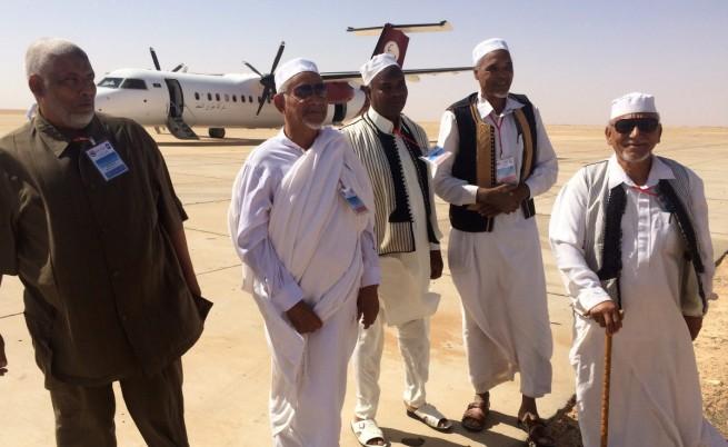 Либия: Двата конкурентни парламента се срещнаха в пустинен град