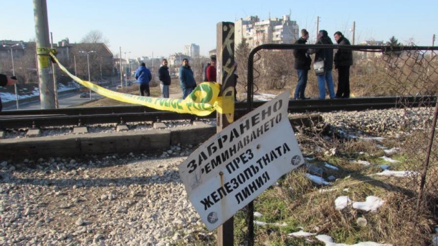 Влак прегази 18-годишен ученик в Русе
