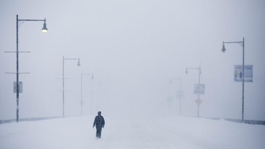 Близо 8000 потребители останаха без ток в Канада