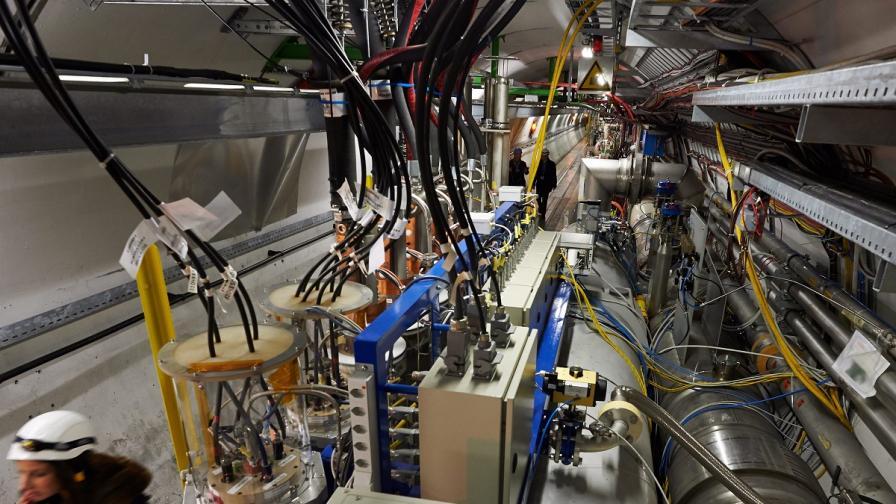 Мъск иска да построи тунел за ускорител на частици на ЦЕРН
