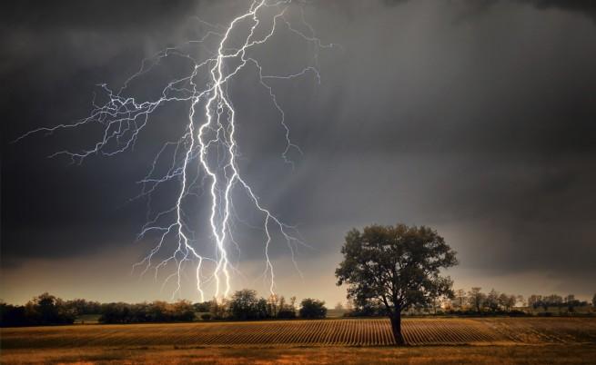 Пролетта ще ни донесе наводнения, бури и градушки