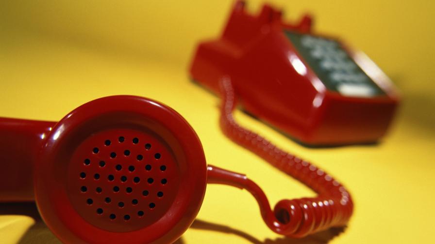 843 са жертвите на телефонни измамници само тази година