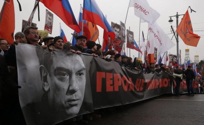 Предявиха обвинения на двамата задържни за убийствто на Немцов
