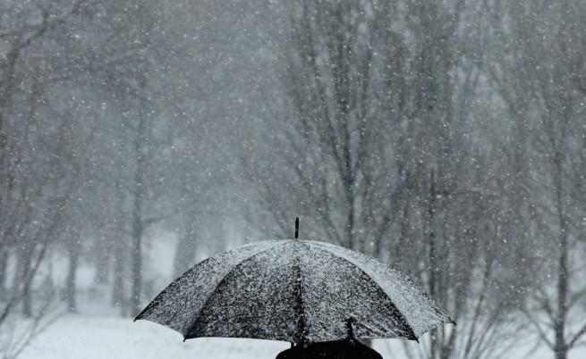Валежите ще отслабват, ще остане студено