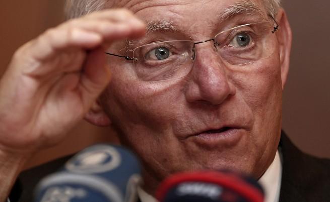 Шойбле отново постави под съмнение сделката с Гърция