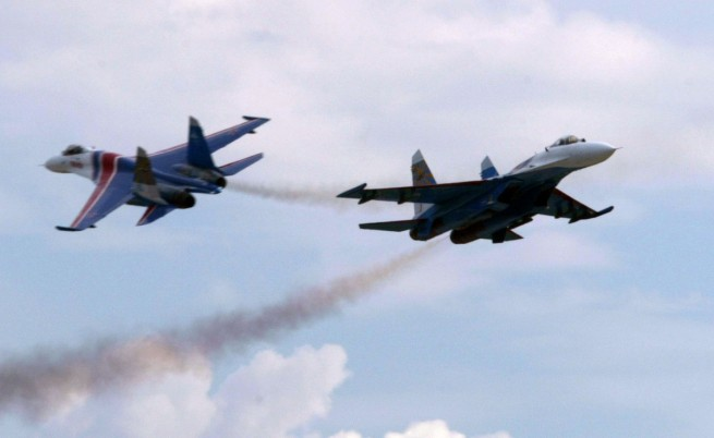 Руски военни самолети пак летели с изключени транспондери