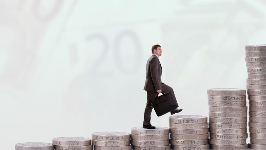 Къде взимат средна заплата от 2347 лв. и къде получават най-малко