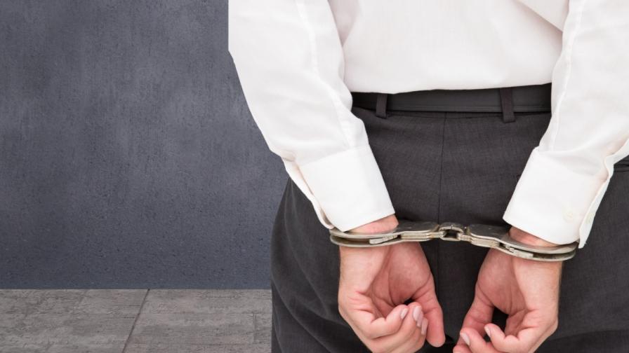 Разследващ полицай от Варна е задържан с 2 хил. лева подкуп