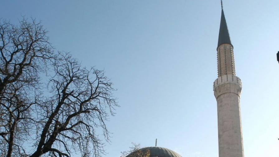 Кметът на Карлово: Куршум Джамия остава на общината
