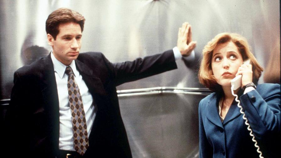 Мълдър и Скъли в епизод от 90-те