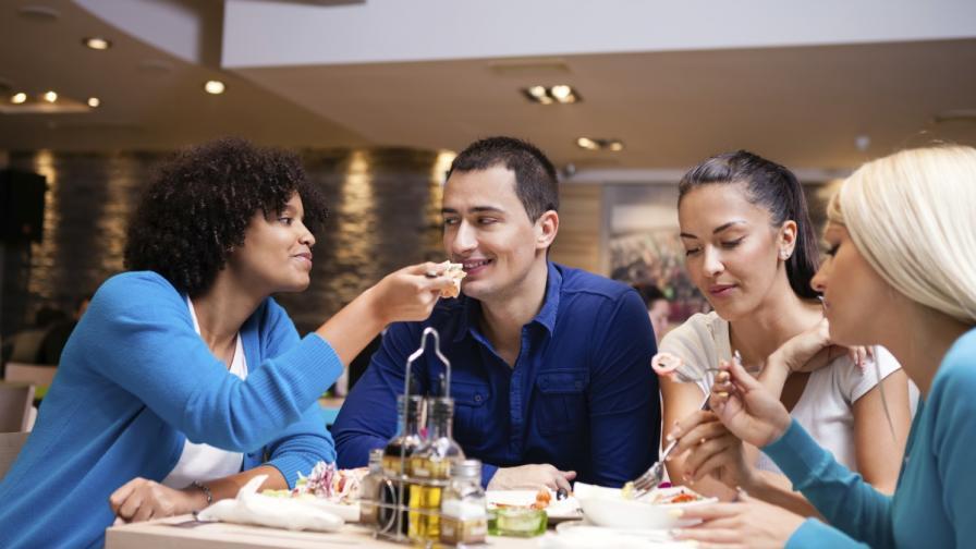Чувстваме се по-сити, когато се храним по-бавно