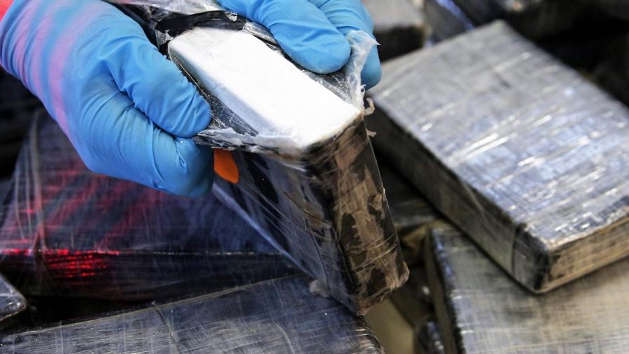 Край Колумбия хванаха кораб с 5,2 т кокаин на борда