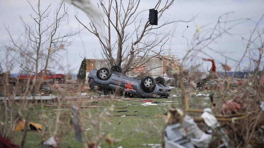 Мощно торнадо отне живота на двама души в САЩ