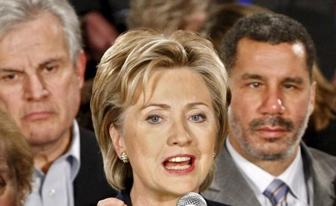 Хилари Клинтън на първа предизборна обиколка с микробус
