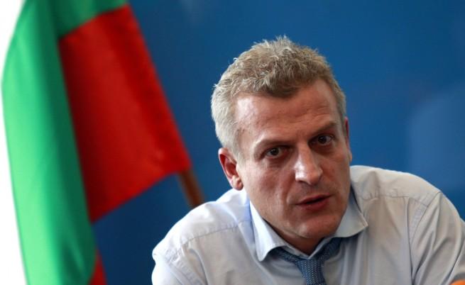 Москов: Директор, който е срещу реформата, ще бъде уволнен