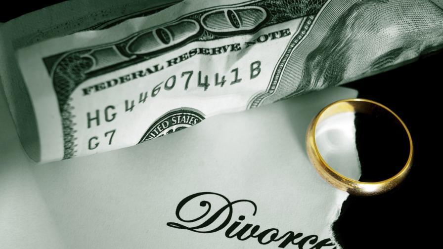 Бившата съпруга на петролен магнат остава само с милиард долара след развода