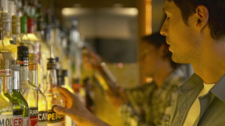 ЕП призова за нова стратегия на ЕС за алкохола