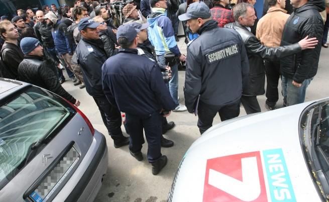 Журналисти от ТВ7: Нямаме нищо общо с Василев и Пеевски