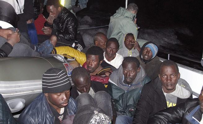 Повече от 4200 мигранти бяха спасени в Средиземно море