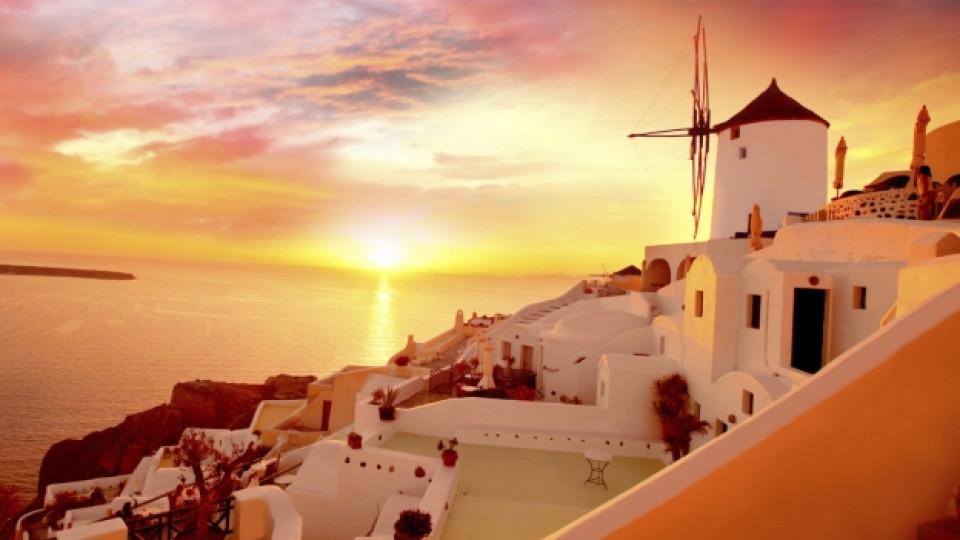 Санторини, слънце и любов