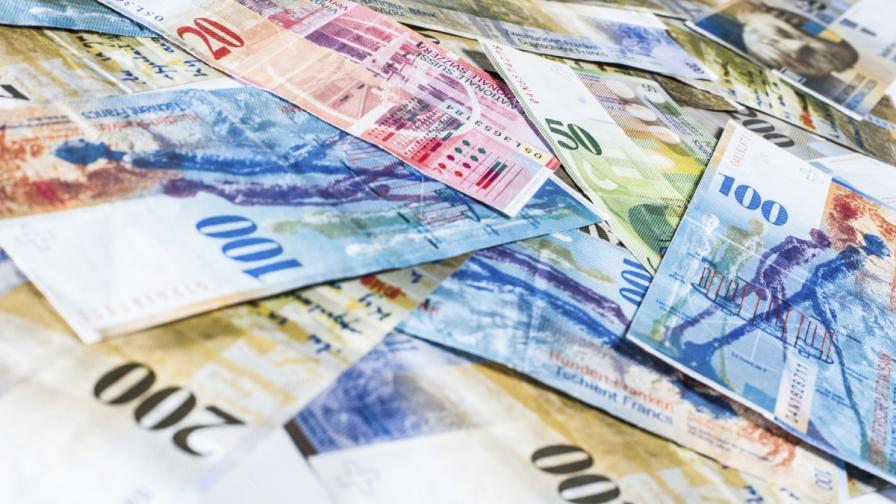 КЗП откри нередности при кредитите в швейцарски франк
