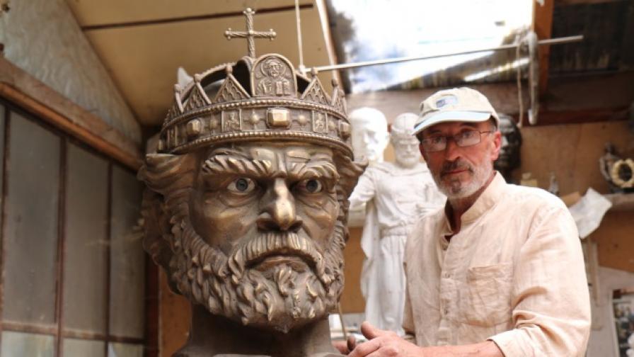 Скулпторът Александър Хайтов