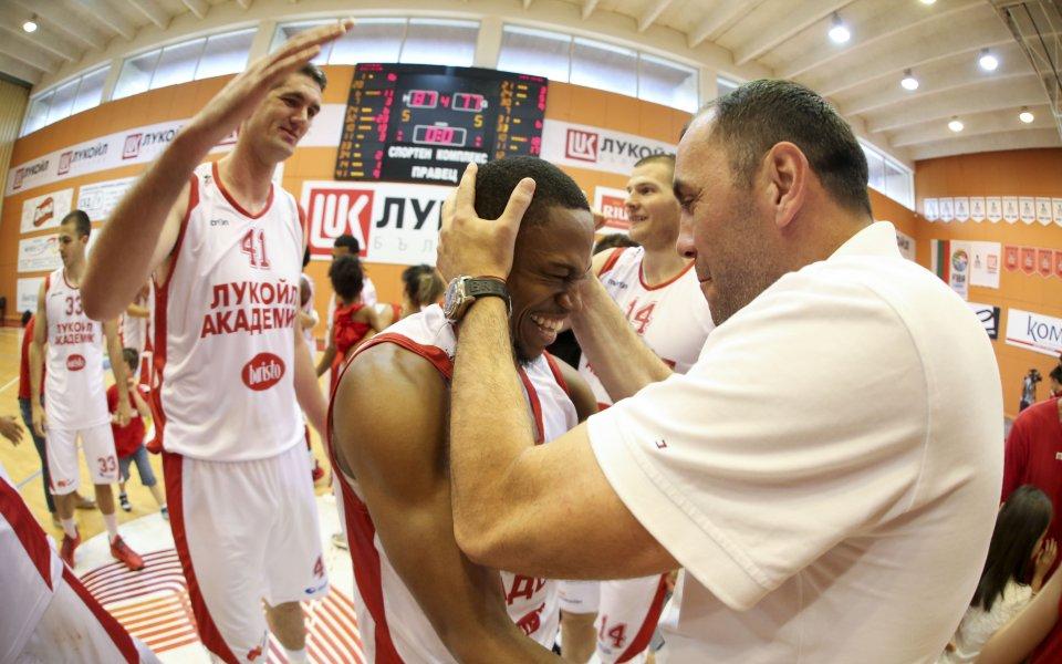 Тодор Стойков: Бъдещето на Тони Дечев е свързано с Лукойл