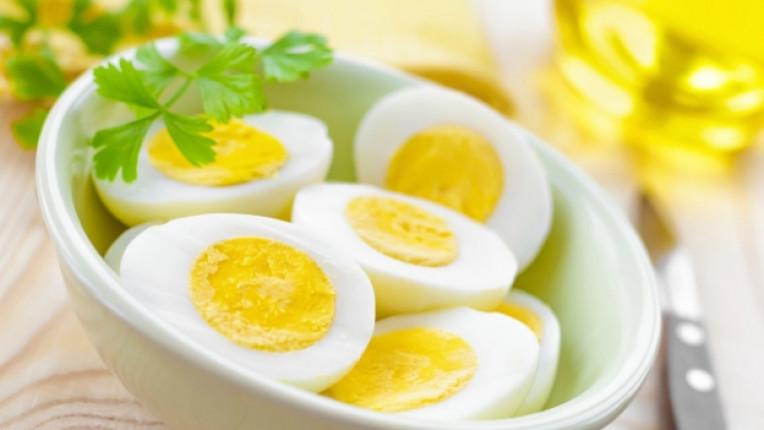 яйца яйце салата жълтъци белтъци