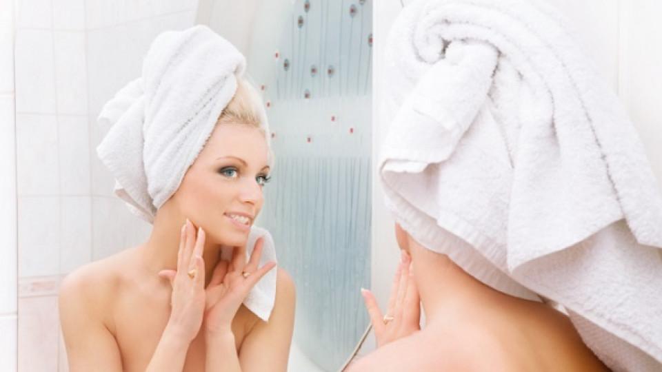 Крем се слага на мокро лице и още 3 странни съвета за красота