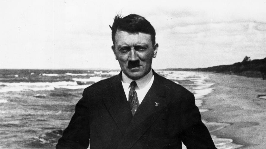 Акварели на Хитлер отиват на търг