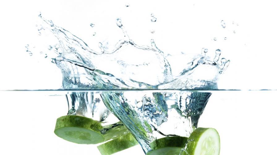 Как да останем хидратирани през лятото