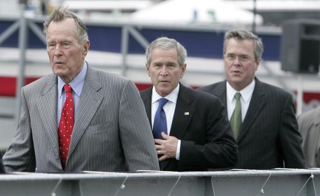 Тримата Буш  Джордж Буш-баща (вляво), Джордж Буш-син (в средата) и Джеб, през 2006 г,
