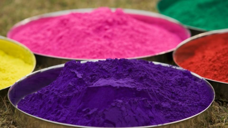 """Как да си направим цветен прах """"гулал"""""""