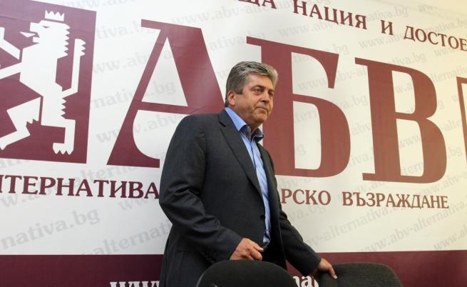Първанов иска свикването на КСНС заради етническото напрежение