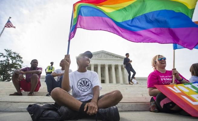 Върховният съд в САЩ обяви еднополовите бракове за законно право