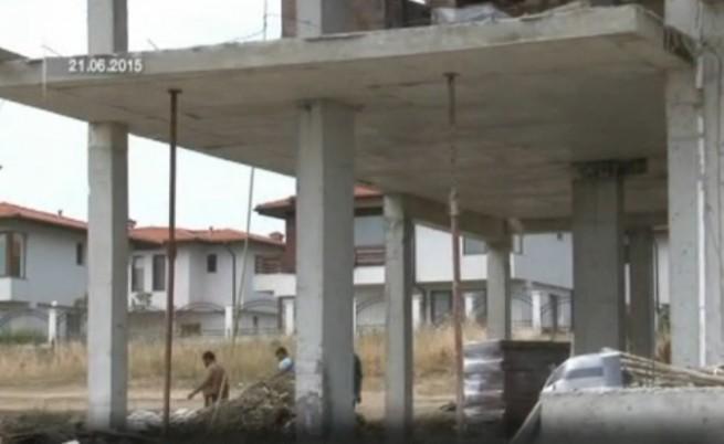 Фирма на общински съветници строи близо до плаж Корал