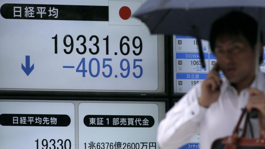 В Китай забраниха акционери да продават дяловете си