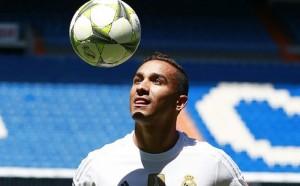 Сити се намеси в плановете на Челси за Данило