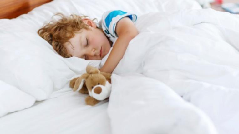 Защо децата трябва да си лягат точно в 10 вечерта?