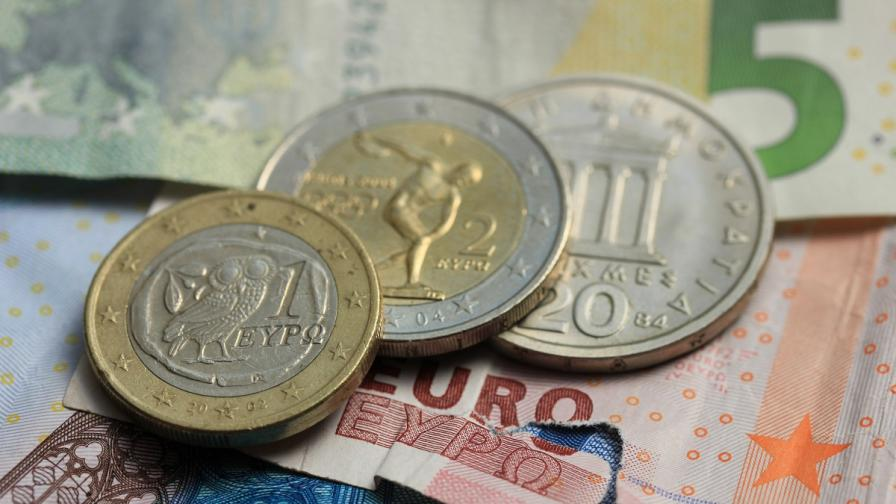 Над 2 млрд евро са неплатените сметки за ток в Гърция