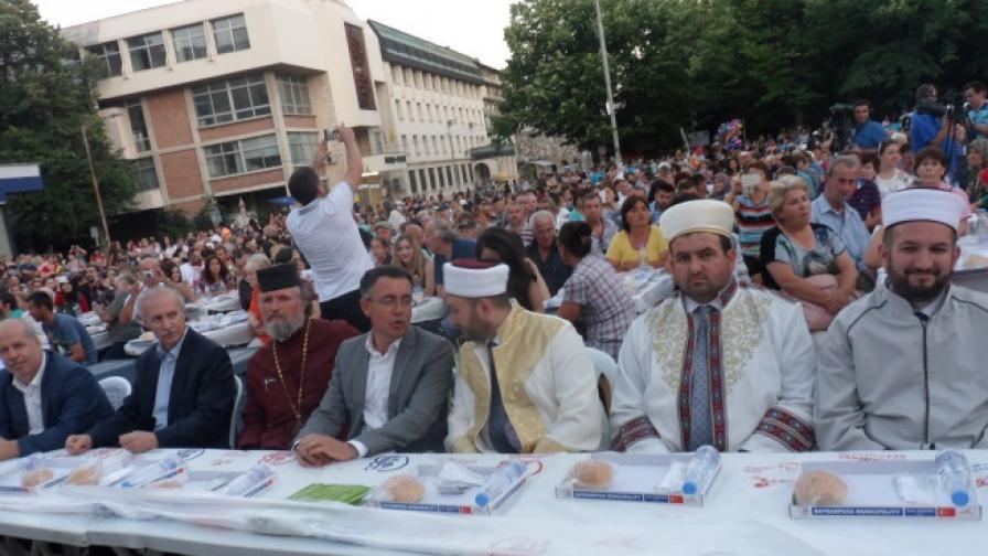 Какво каза свещеник на мюсюлманите в Кърджали